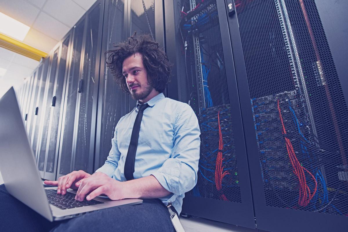 Maschinenraum des Internets ++ Arbeiten im Rechenzentrum